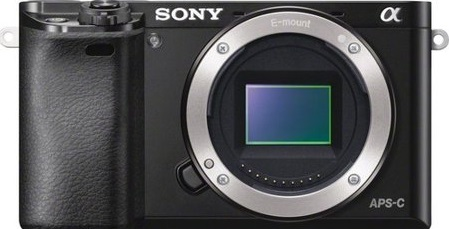 Sony a6000 vs Canon 200D – Comparison Article